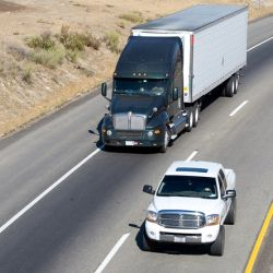 Parking, Passing and Pallets: Safety Tips Truckers Should Never Overlook